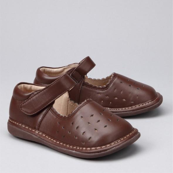 بالصور كيفيه اخيار الحذاء المناسب 04824e8f3676d7e2d0bb4c0716142749