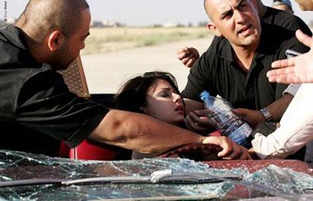 صوره حادث هيفاء وهبي الطائرة  بسيارتها كاد يودي بحياتها