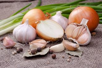 صوره اهمية وفوائد قشور البصل