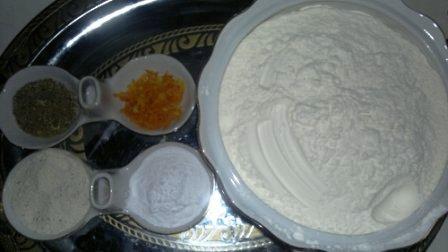 بالصور طريقة عمل كعكة عيد الميلاد بالصور 3517fff6015c2c669f2997278606c1e1