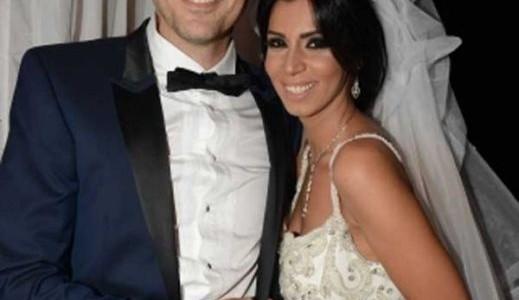 بالصور احمد عز وزوجته الصور الاولى من عقد قران الفنان 3a2fd9b9420a5382db3c5dcce65dfaad
