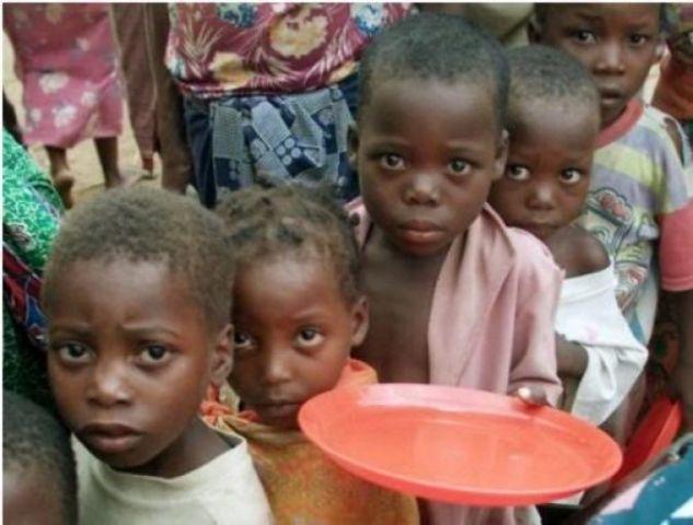 بالصور صور اطفال الصومال يحتضرون من الجوع 3fb3fab424721f74374334203aea3a78