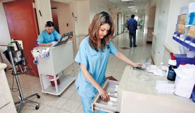 صوره صور طبيب جديدة افضل طبيب اطفال في العالم