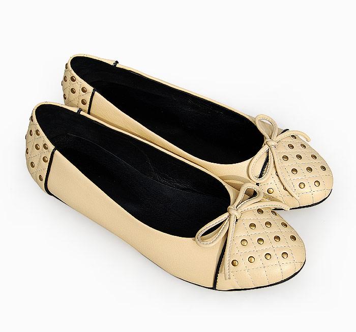 بالصور اجمل واروع احذية فلات للبنات 51dc659fbade8027dfdf0e72e99be857