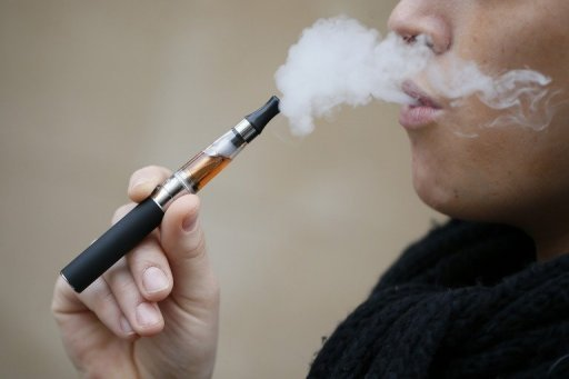 صوره السجائر الالكترونية اخطر 15 مرة من العادية