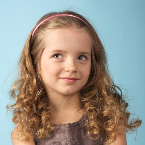 صوره تسريحات للشعر الطويل للاطفال للافراح