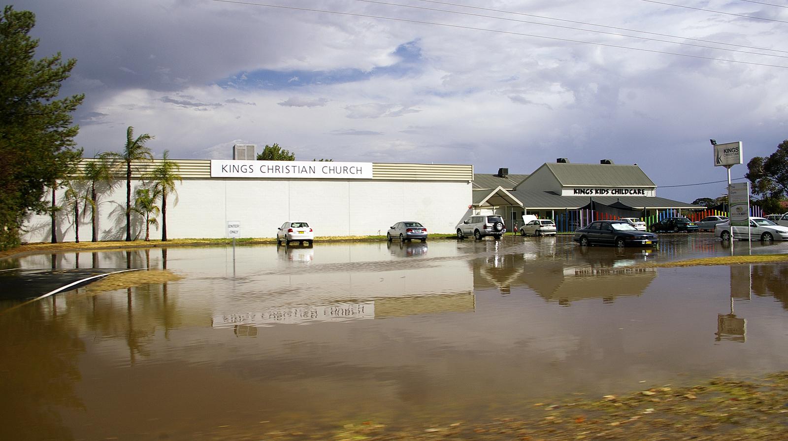 صور تعبير كامل عن الفيضانات باللغة العربية
