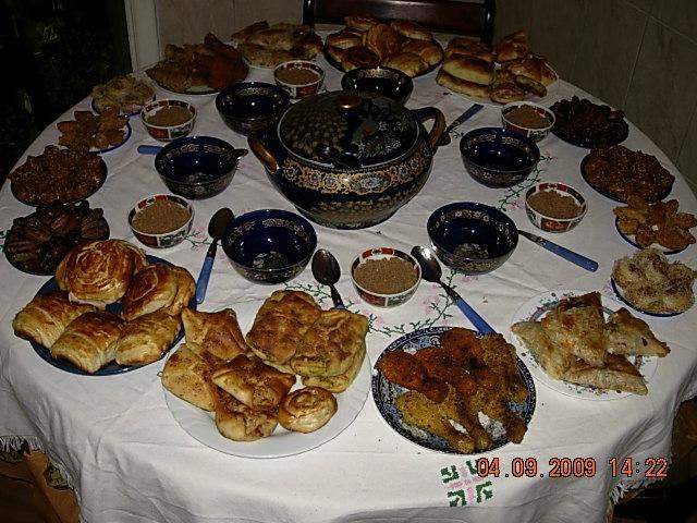 بالصور مائدة رمضان في المغرب 6d16b540106e6c4e65b8551c5a68b09d