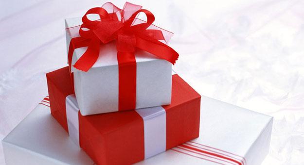 بالصور اجمل هدايا عيد الام 7198053b6e3265e9c688e2d343248503