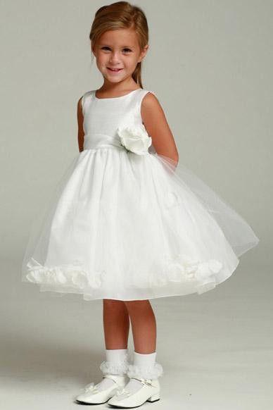 صورة اجمل تصميمات فساتين زفاف للاطفال