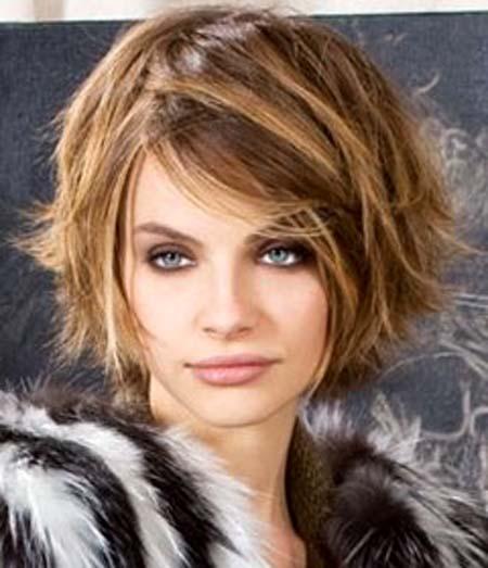 بالصور تسريحات شعر نساء  فوق ال 40 تجعلهن اصغر 8649c749211bac58e7fc43e0676b6e81
