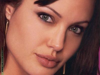 بالصور احلى صور انجلينا جولى للممثله 88079840cddc3e158d66af3a9eb51e35