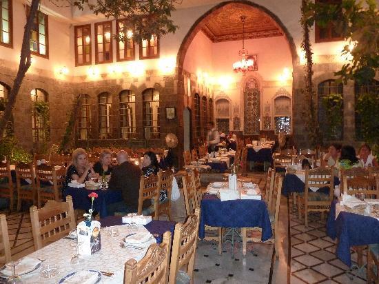 بالصور مطاعم دمشق في رمضان 8e3751b1863e03b2abf5706fa55470ab