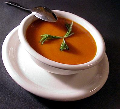بالصور طريقة عمل شوربة طماطم لذيذه 957c512e5ff253a4be626e195498d296