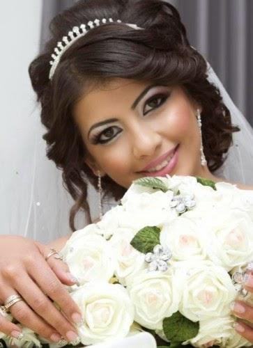 بالصور مشطات العروس اخر موضة 9b0dc7a91f19722cb39bc6f1a2596ca8