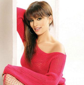 بالصور معلومات عن زينة الممثلة المصرية 9cd6c214cd21993f3ee50cf29310e1a2