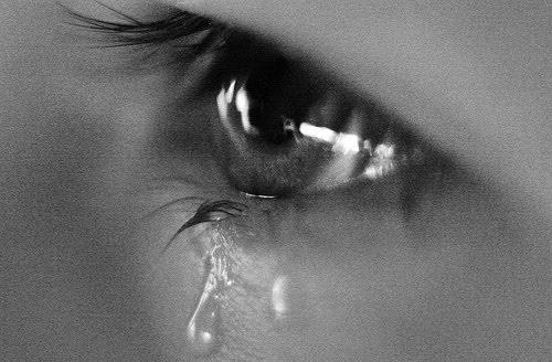 بالصور احدث صور عيون تبكي حزينه a0b4773adef454c606fd22df37c1b96a