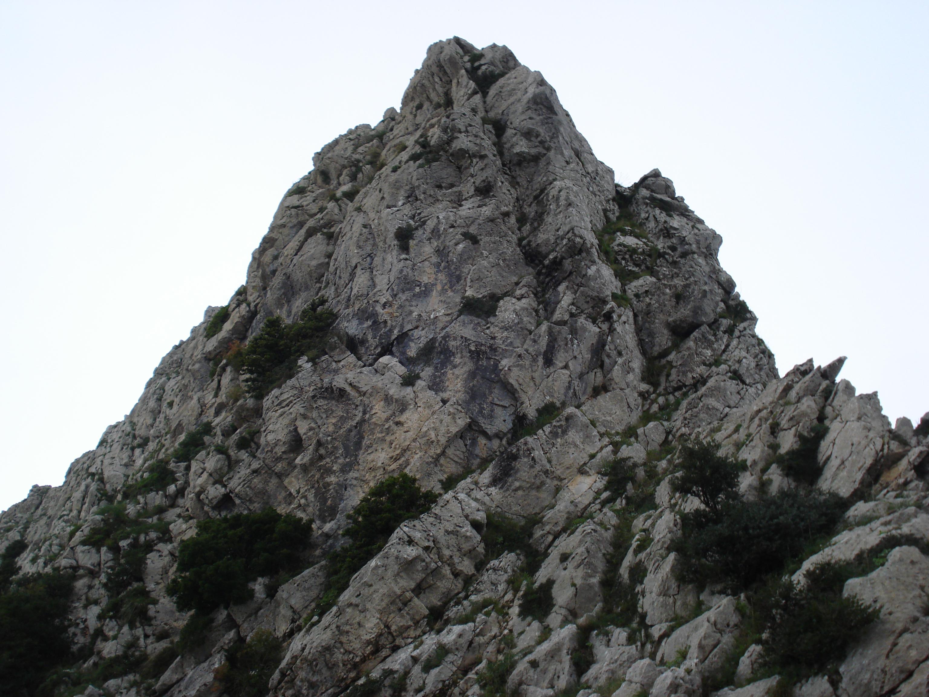 بالصور تفسير حلم ورؤية الجبال والصخور والتلال بالمنام aa1bd5323c4e5bfe5b1d19c5a87cc9a1