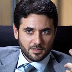 بالصور صفحة احمد عز تشرح اسباب اخفاء زواجه من انغام aafec99edf34a60d8ff8d7acc838ba9e