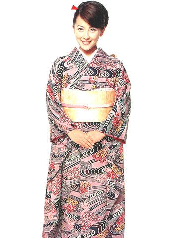 بالصور كل ما يدور حول اللباس التقليدي الياباني b11fe5fbd95e07ade2731f6fa70ecc24