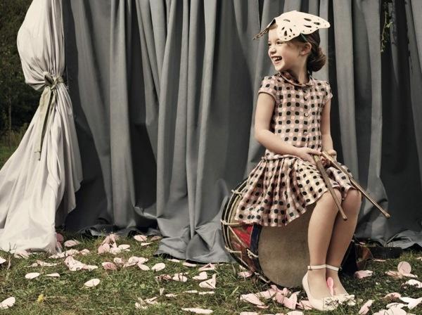 صوره ملابس اطفال تنكرية و حركات بنات اخر دلع