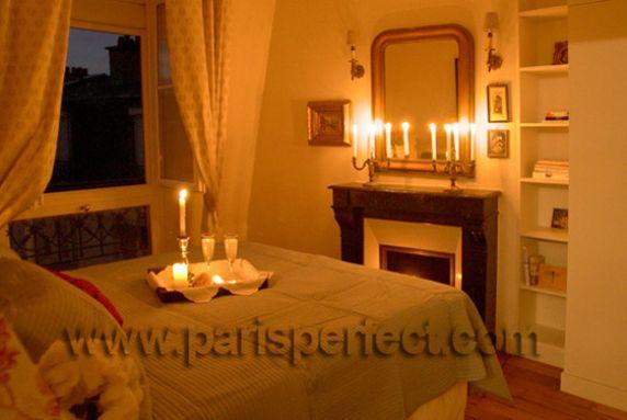 بالصور غرف نوم بالشموع روعة جدا ba4c9061f7c9c8d52fdd21b833680eec
