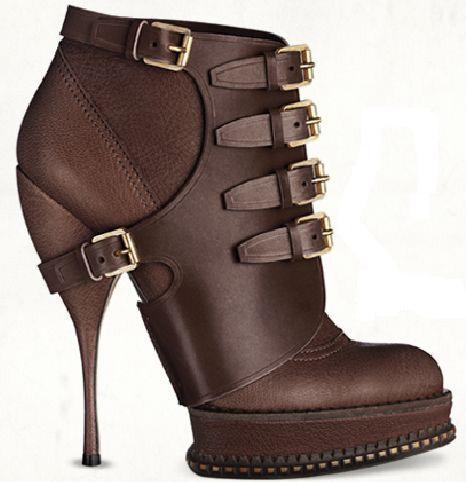 بالصور كيفيه اخيار الحذاء المناسب bf09bc083f2aefe51d17cc6dfca781f2