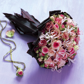 بالصور احلى بوكيه ورد باجمل الورود والازهار c22545d635e3357d538102c3efbdd99b