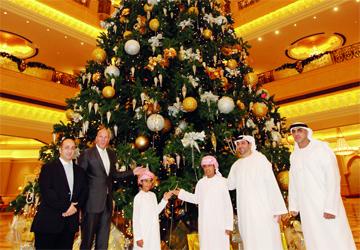 صوره شجرة الميلاد في دبي