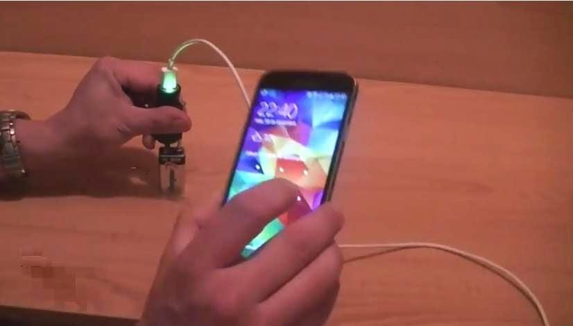 صوره كيفية شحن الايفون بدون شاحن