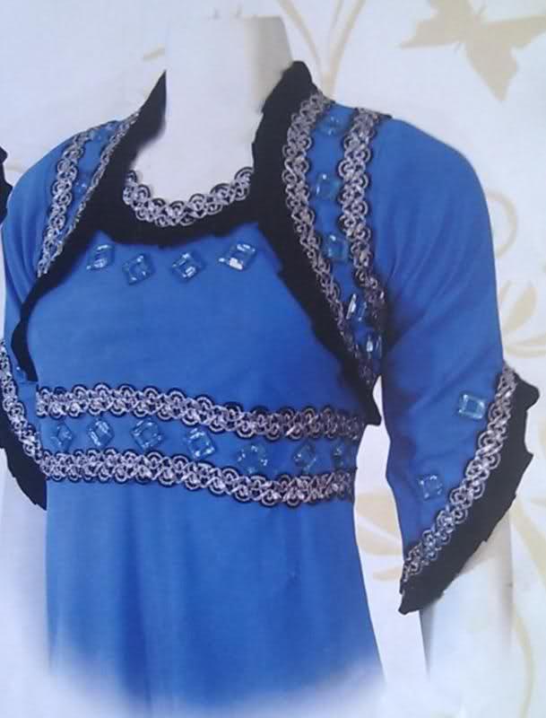 بالصور فن خياطة الفساتين الجزائرية cc069834c0debd10d3da11730d409851