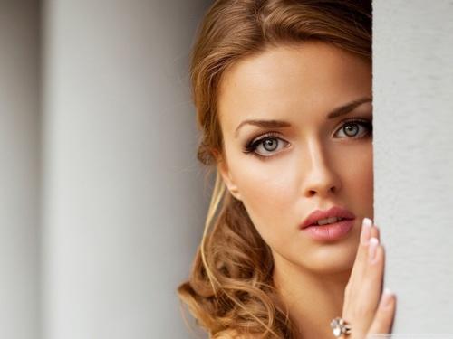 صوره اهم صفات المراة الحسناء