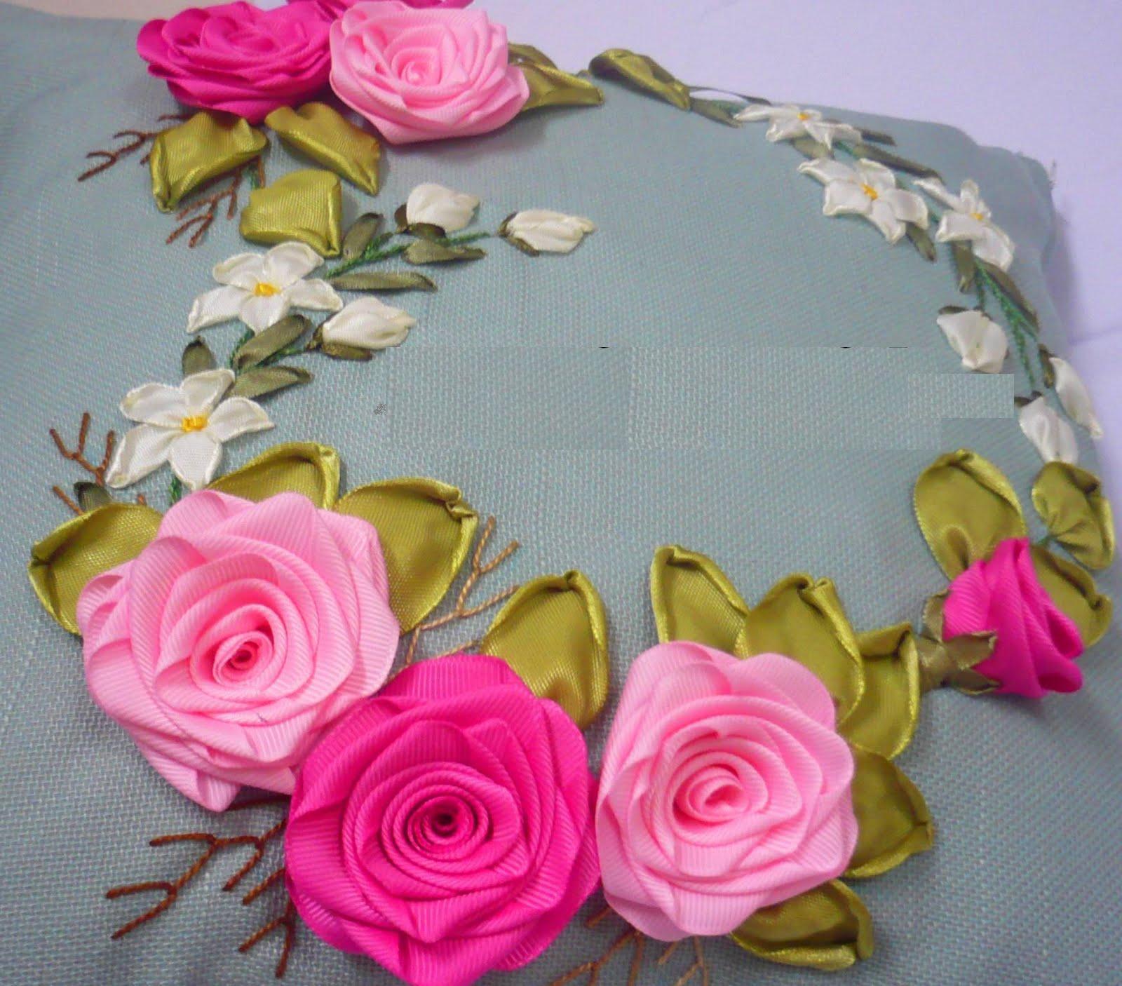 بالصور كيفية صناعة الورد بالقماش d3d906679250172ff6f37e04b2aae291