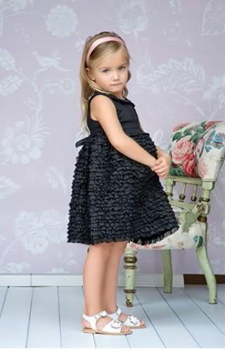 بالصور ملابس الاطفال ماركات e0015235f0d0e526c14c6a2629d044e2