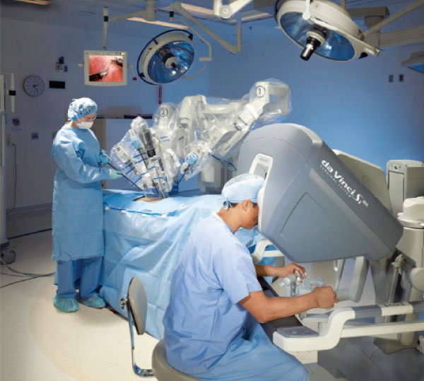 صور جراحة مناظير النساء في الرحم