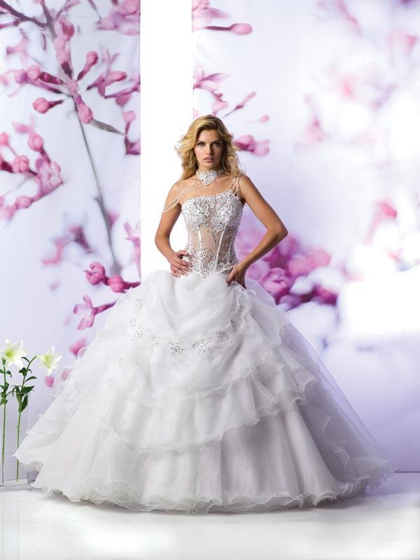 صوره اجمل فساتين زفاف مصرية