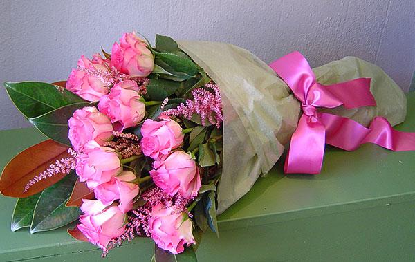 بالصور احلى بوكيه ورد باجمل الورود والازهار f70ca2b507345bbcee844a004d9fb535
