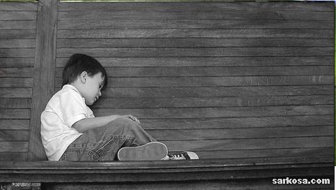بالصور صورة طفل حزين جميله f8cc7f4c50adefc6453de9bfa9893d70