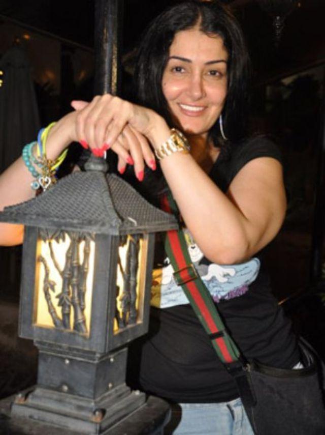 بالصور اجمل الجميلات العرب ينافسن حسناوات تركيا fb72820c6b6aca5c5a426ff74b793f39