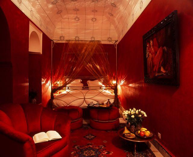 بالصور غرف نوم حمراء ديكورات غرف نوم للعرسان fe429c38395d878c8fb5b92c418b3d6f