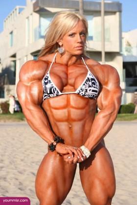 يُذكر أن أول مسابقة كمال أجسام أو أقوى امرأة في العالم أقيمت عام 1970  بالولايات المتحدة.(فرفش)
