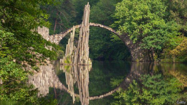 صوره اغرب الجسور في العالم