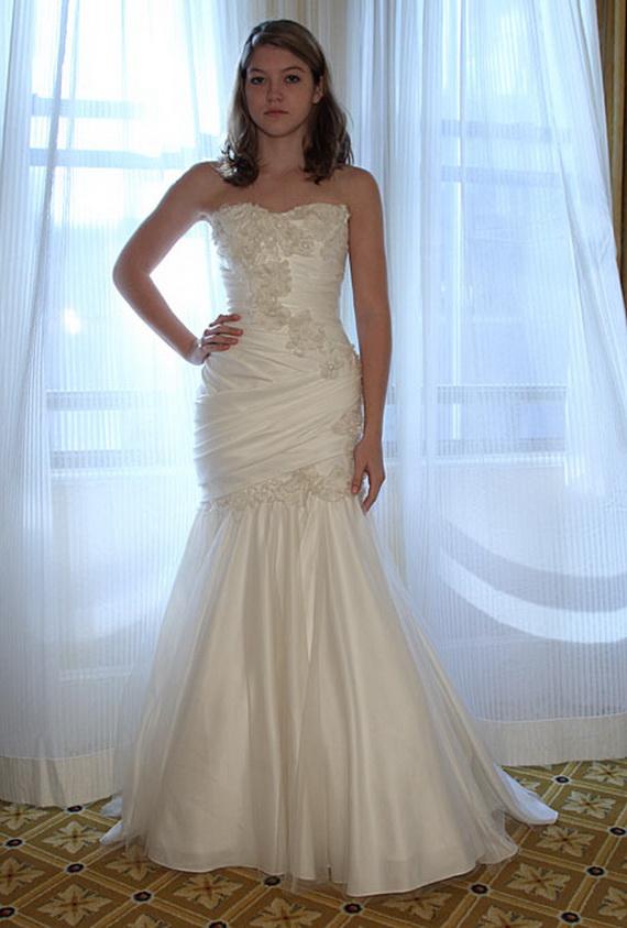 بالصور فساتين زفاف على شكل سمكة 632cb2456de68307a5b9eb1f275d62b1