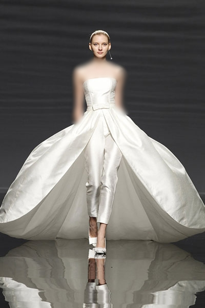 بالصور فساتين زفاف غير تقليدية 7c6e5310a6c4d196aee41b6c0e320d36