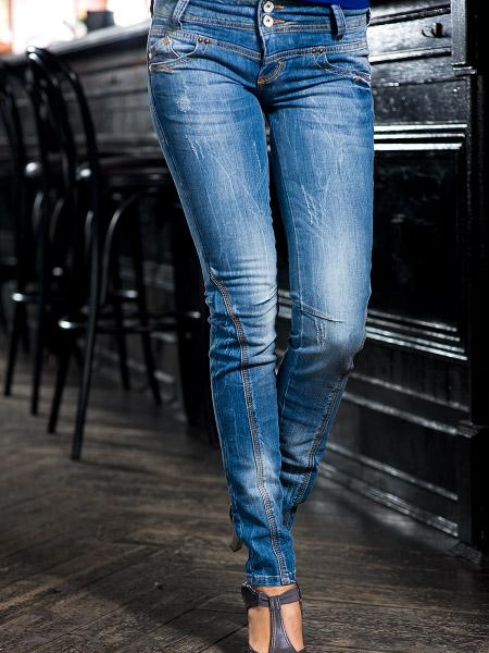 صوره بناطيل جينز تجنن للصبايا جينزات شيك