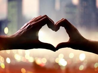صورة كيف اعرف اني احب شخص حب حقيقي