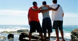 بالصور كلام قصير عن الاصدقاء كلام عن الأصدقاء 310x165
