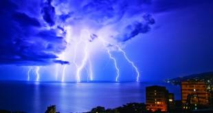 بالصور ظاهرة الرعد والبرق 2267095546 310x165