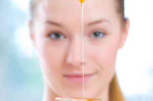 صوره فوائد العسل الابيض للبشرة