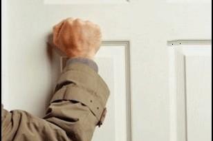 صوره طرق الباب في الحلم